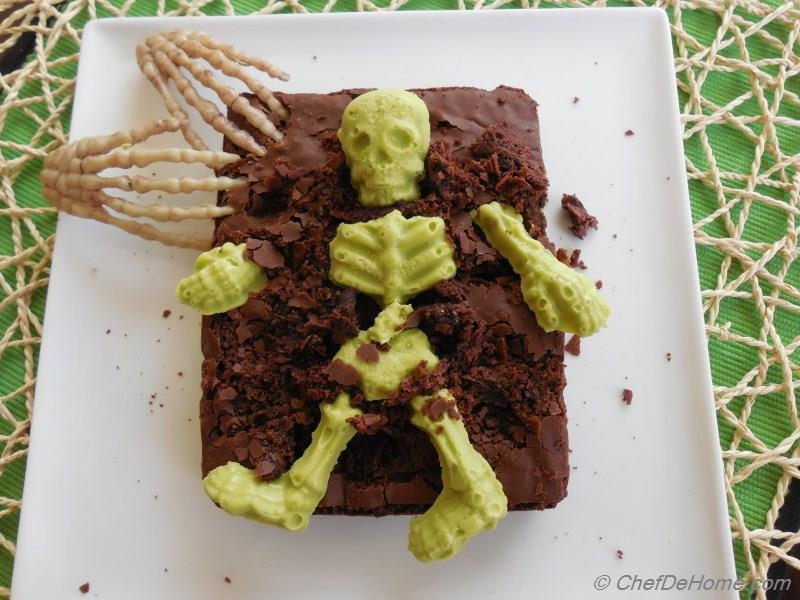 Graveyard Brownies Recipe | ChefDeHome.com