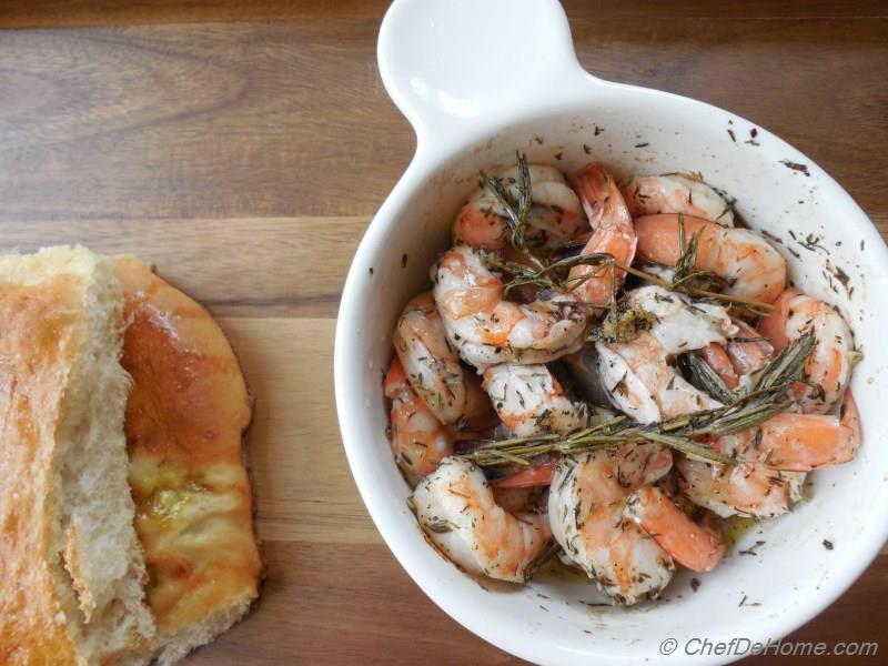 Roasted Shrimp with garlic-rosemary and thyme Recipe | ChefDeHome.com