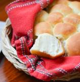 Fluffy Pull-Apart Buttermilk Dinner Rolls
