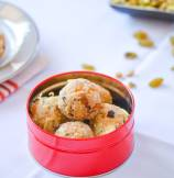 Indian Sweet Rava (Semolina) Ladoo