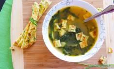 15 Minutes Easy Kale Tortellini Soup Recipe ChefDeHome.com