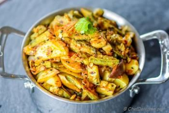 Step for Recipe - Achari Aloo Karela