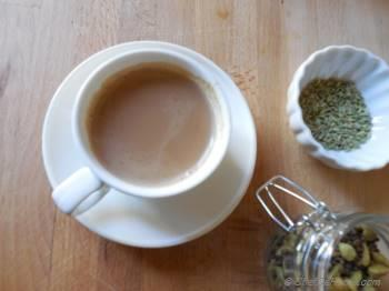 Step for Recipe - Cardamom and Fennel Tea