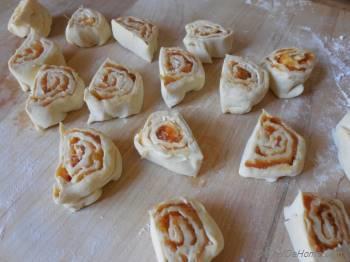 Step for Recipe - Mango Chutney and Cream Cheese Pin Wheels