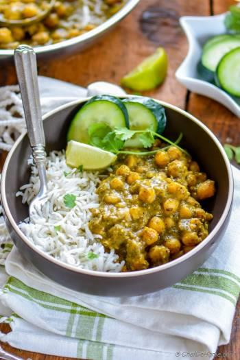 Step for Recipe - Roasted Tomatillos Chickpea Curry
