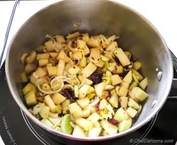 Step for Recipe - Apple Chutney