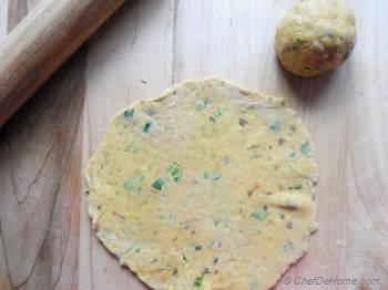 Step for Recipe - Leftover Lentils Breakfast Flat Bread - Indian Daal Parantha