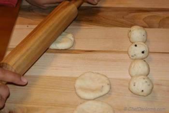 Step for Recipe - Crisp Mathri
