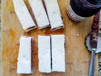 Step for Recipe - Fruit Spread Stuffed French Toast Sticks