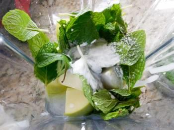 Step for Recipe - Go Green - Apple, Mint, and Coconut Milk Smoothie