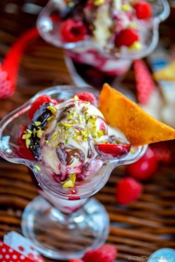Step for Recipe - Family-style Ice Cream Sundae
