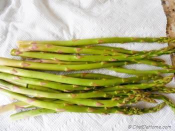 Step for Recipe - Better Than Green Beans - Vegan Kimchi Garlic Asparagus