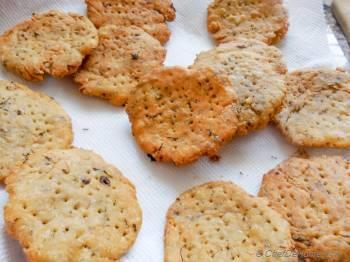 Step for Recipe - Indian Namkeen Methi Mathri - Salted Fenugreek Crackers