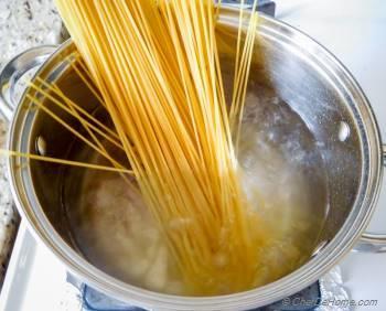 Step for Recipe - One Pot Gluten Free Spaghetti with Mushroom Sun-dried Tomato Cream Sauce