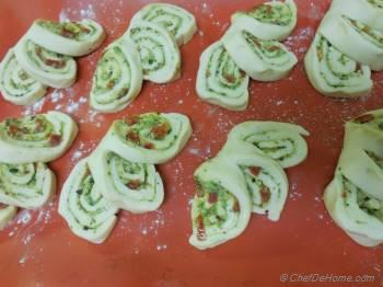 Step for Recipe - Three Swirls Breakfast Bread Rolls with Basil Pesto and Sun-dried Tomato