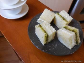 Step for Recipe - Pesto and Cream Cheese Sandwich