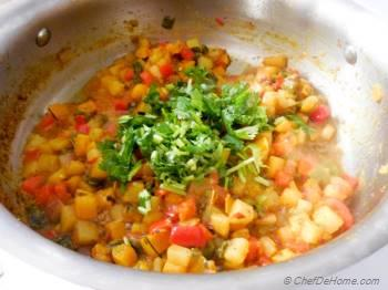 Step for Recipe - Potatoes, Squash and Poblano Curry Hash