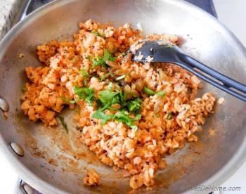 Step for Recipe - Savory Onion-Tomato Breakfast Oats - Indian Oats Poha
