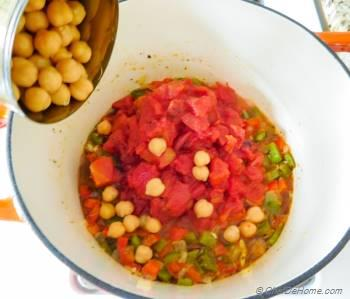 Step for Recipe - Vegetarian Stuffed Pepper Soup