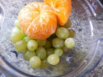 Step for Recipe - Kiwi and Grapes Detox Smoothie