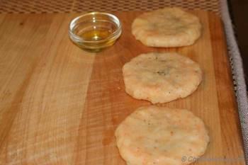 Step for Recipe - Aloo tikki
