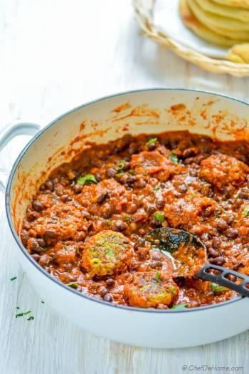 Step for Recipe - Meatless Meatballs with Beans and Tomato Sauce