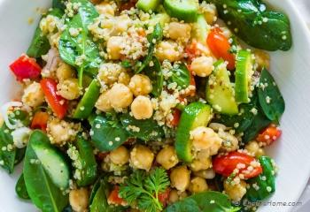 Step for Recipe - Earthy and Flavorful Quinoa and Chickpea Salad