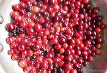 Step for Recipe - Cardamom Infused Chunky Cranberry Sauce