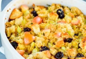 Step for Recipe - Homemade Cornbread Stuffing with Apples