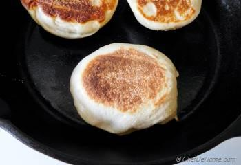 Step for Recipe - English Muffins