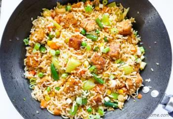 Step for Recipe - Vegan Fried Rice with Sriracha Tempeh