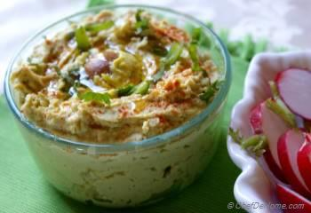 Step for Recipe - Zesty Avocado and Chickpea Hummus - Garbanzo-mole