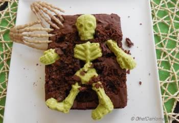 Step for Recipe - Graveyard Brownies