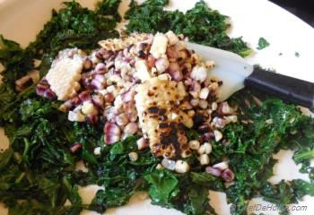 Step for Recipe - Kale Salad with Uniekaas Reserve and Walnuts