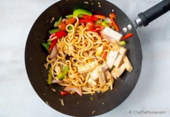 Step for Recipe - Easy Stir Fry with Udon Noodles