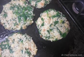 Step for Recipe - Spinach and Rice Meatless Burgers