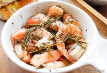 Step for Recipe - Roasted Shrimp with garlic-rosemary and thyme