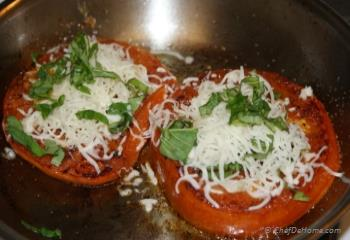 Step for Recipe - Pan Seared Tomatoes with melted mozzarella