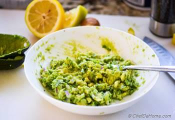 Step for Recipe - Sriracha Guacamole
