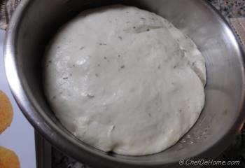 Step for Recipe - Sun-Dried Tomato and Walnut Garland Bread