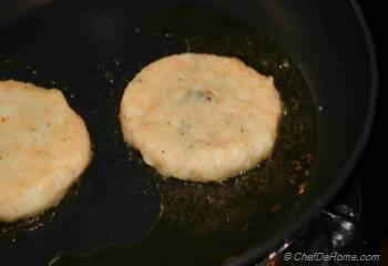 Step for Recipe - Aloo tikki