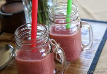 Summer Favorite Apple and Strawberries Smoothie