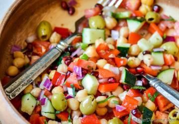 Mediterranean Chickpeas Salad with Herb-Citrus Vinaigrette