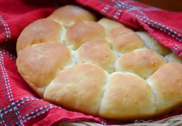 Fluffy Pull-Apart Buttermilk Dinner Rolls