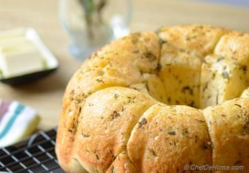 Buttery Pull-Apart Herb Monkey Bread