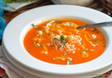 Tomato and Rice Soup with Chickpeas