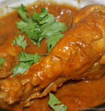 Chicken In Cardamom Coconut Sauce
