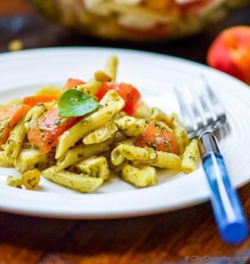 Mezze Penne Caprese Pasta Salad with Pesto Vinaigrette