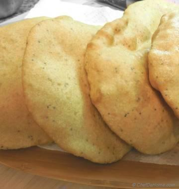 Semolina and Wheat Leavened Fried Bread
