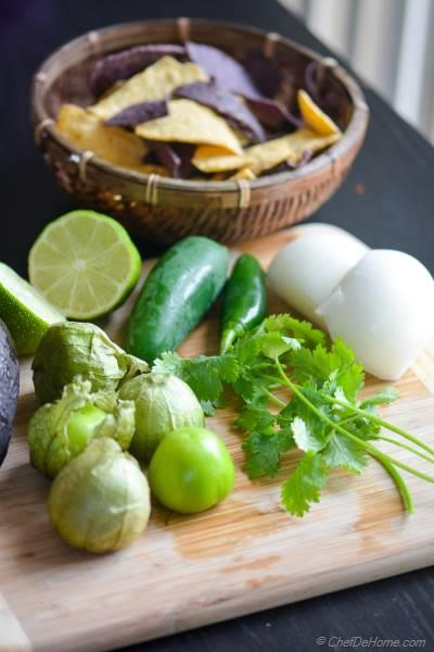 Few simple ingredients to make The Best Chilaquiles Roasted Salsa Verde. And it delicious and gluten free! | chefdehome.com